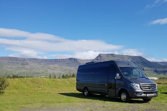 Þyri's Bus